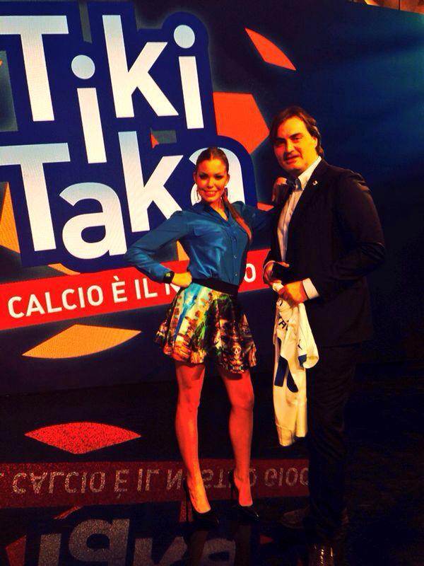"""Costanza Caracciolo, la donna di """"Tiki Taka"""""""