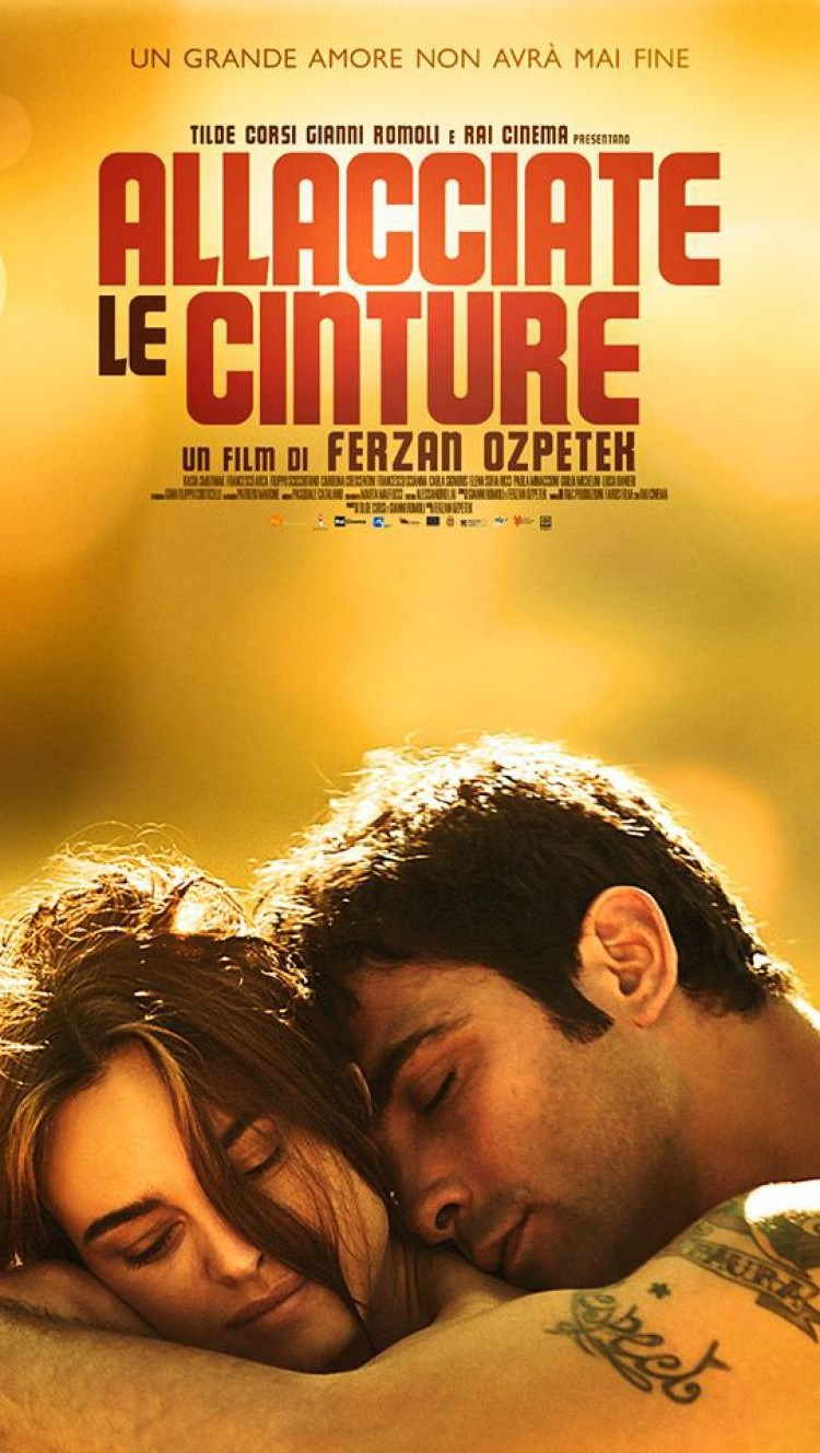 "Francesco Arca, al cinema con la Smutniak in ""Allacciate le cinture"""